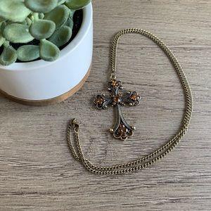 Jewelry - Beautiful cross necklace ➕